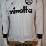 1980_-_1981_Matchworn_Spielertrikot_Adidas_Nr._7_Bernd_Hoelzenbein_Langarm_vorn