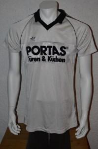 1983_-_1984_Matchworn_Bruno_Pezzey_-_Infotec_wurde_mit_Portas_uebernaeht_vorn